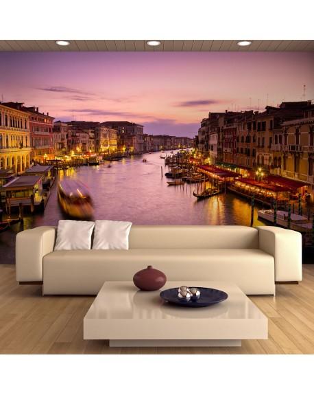 Stenska poslikava City of lovers, Venice by night